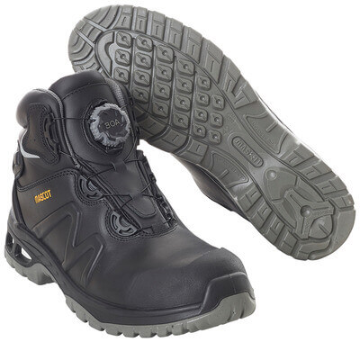 F0136-902-09 Safety Boot - black